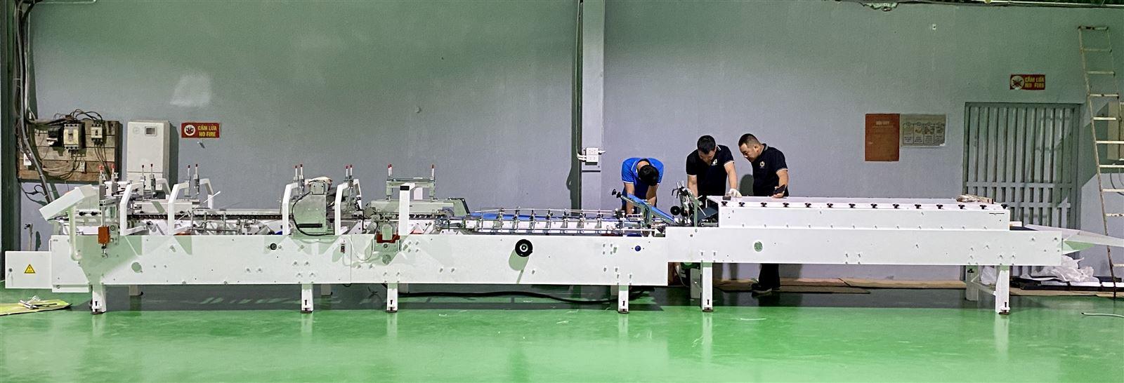 Lắp đặt máy dán móc đáy tự động - ZH800